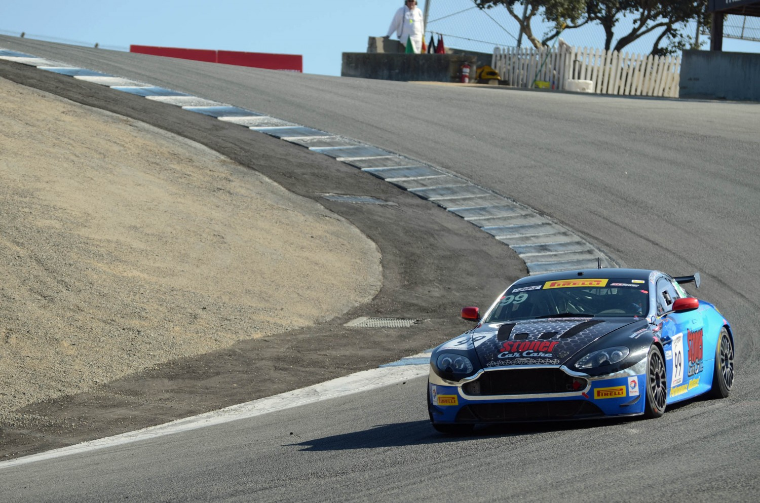 Automatic Racing Returns To The California 8 Hours With Aston Martin Vantage Gt4 Intercontinental Gt Challenge Powered By Pirelli