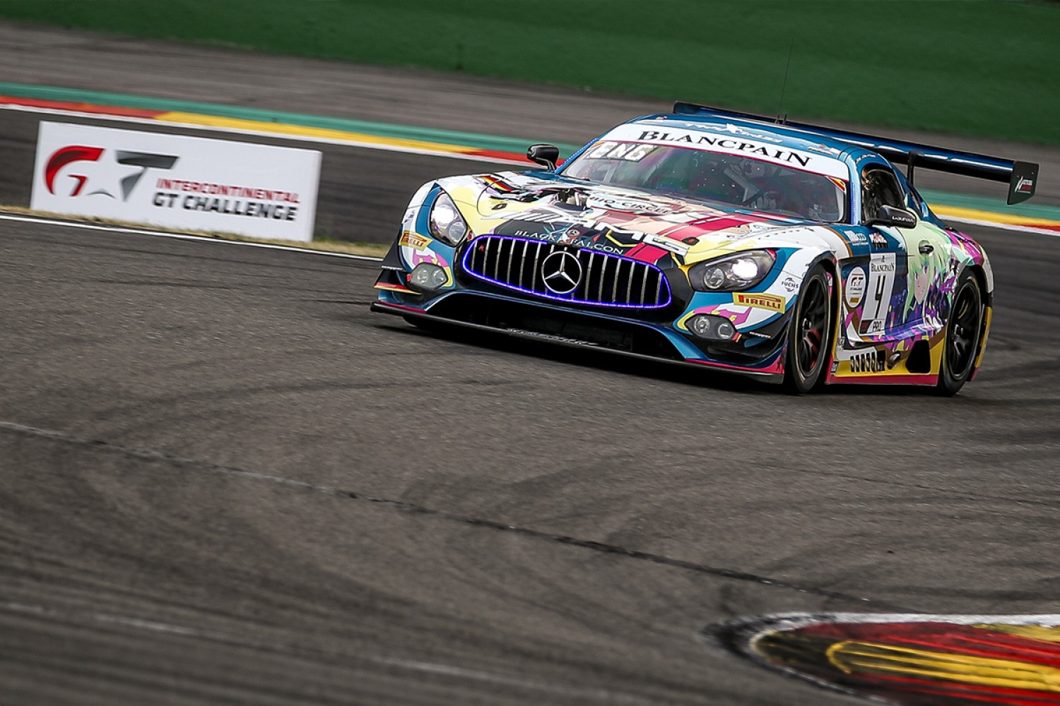 Engel edges Vanthoor in Super Pole thriller at Spa