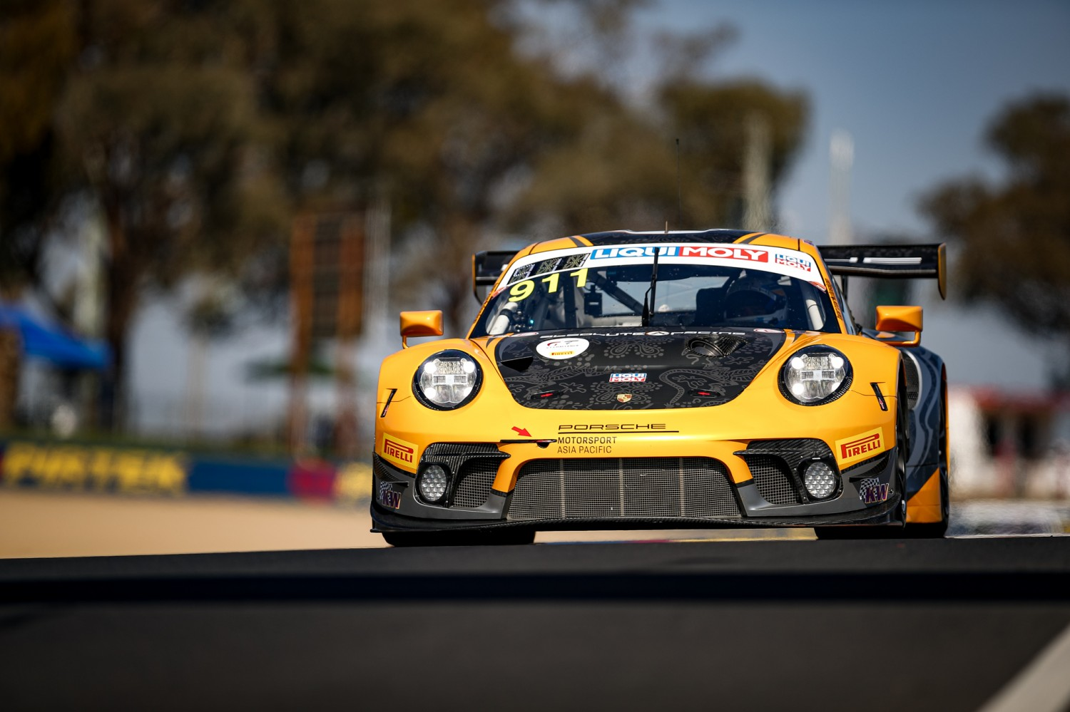 Campbell leads crash-hit qualifying session at Bathurst