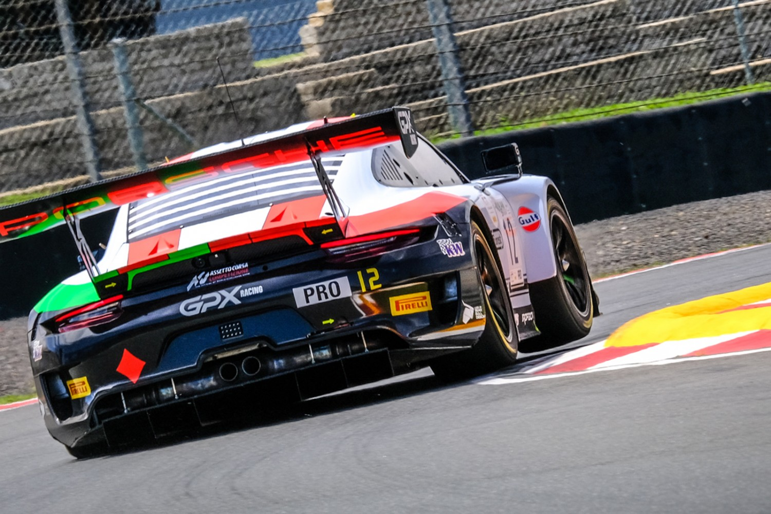 Campbell sets record pace in second Kyalami test